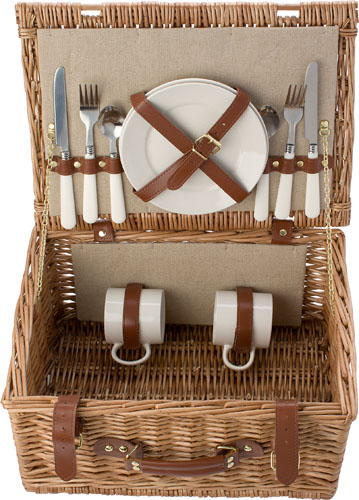 Picnic basket for 2 people.